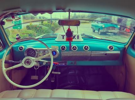 car-5221915_1920